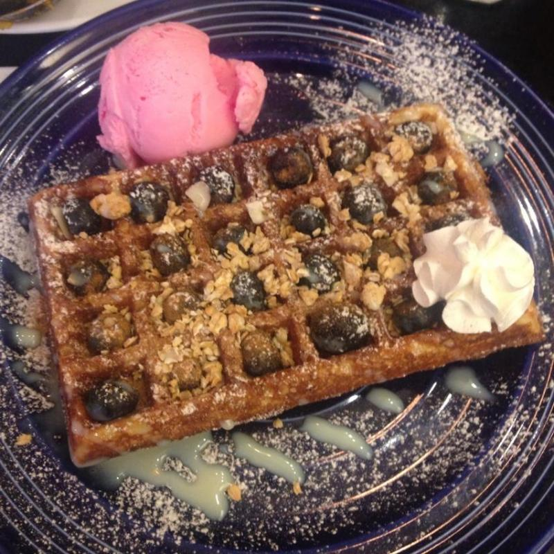 lunch set- waffle with ice cream